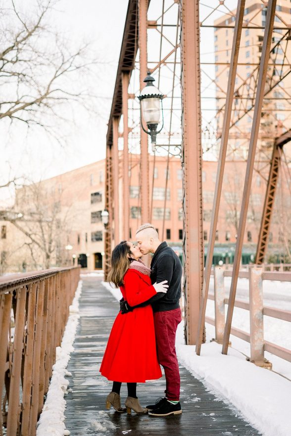Stefany Rob Fine Art Engagement Photography Stone Arch Bridge Nicollet Island Minneapolis MN 2020101 websize 1